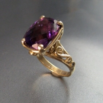 Amethyst, 14kt Gold Ring with Diamonds