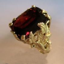 Garnet, 14kt Gold Ring, Leaves
