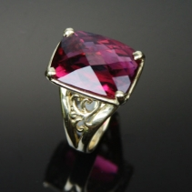 Very Fine Rubellite Tourmaline, 14kt Gold Ring