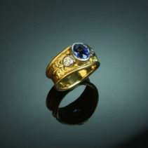 Sapphire and Pink Diamond, 18kt Gold and Platinum Ring