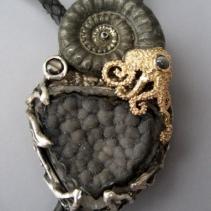 Ammonite Fossil, Black Drusy SS/14kt Jurassic Classic Bolo