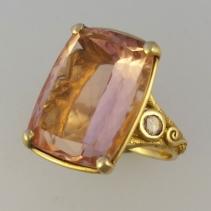Morganite 14kt Gold Ring
