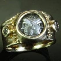 Janiform, AR Diobol, 14kt Gold Ring