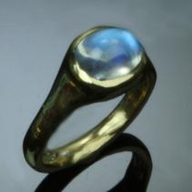 Rainbow Moonstone, 14kt Gold Ring